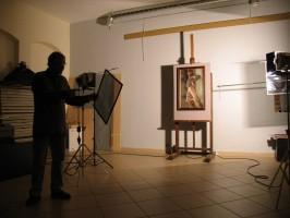 Photographer A. Lukšėnas prepares to photograph an exhibit. © R. Strolytė
