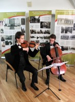"""The exhibition """"The elite of Lithuanian state politics, culture, science, society and its environment from the second half of 19th to the early 20th century"""". Lukas Jonušis (violin) ir Liutauras Žilaitis (violoncello). Photo by A. Valužis."""