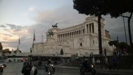 Pirmojo suvienytos Italijos karaliaus Viktoro Emanuelio II paminklas. D. Snarskio nuotr.